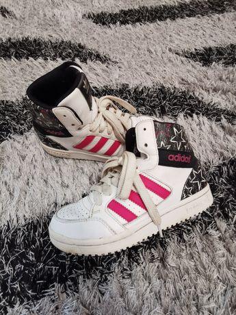 Демисезонные ботинки, кроссовки adidas