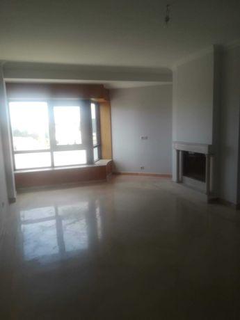 Apartamento para arrendar T3