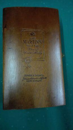 Caixa ( Estojo )  James Martin's  em Madeira