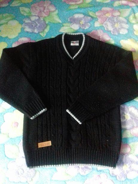 Продам Тёплый свитер. В отличном состоянии.б/у
