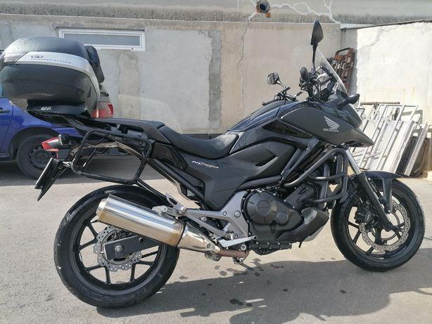 Honda NC750X com extras