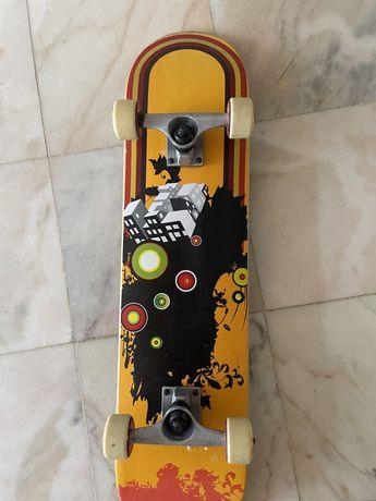 Skate praticamente novo