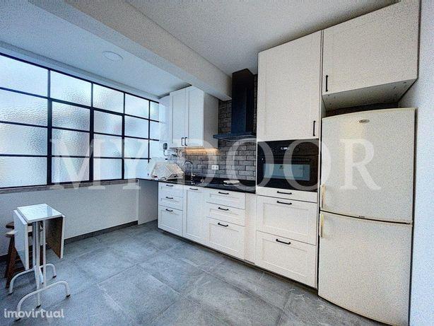 Apartamento T2 - Moscavide - Excelentes Áreas - Central
