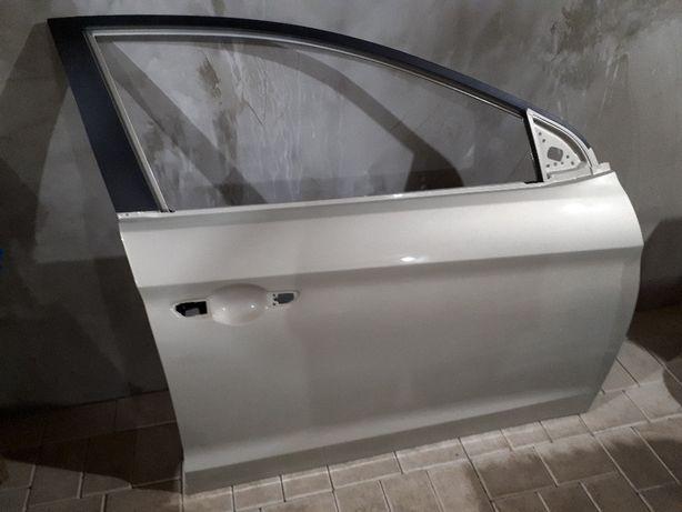 Правая дверь Hyundai elantra 2016