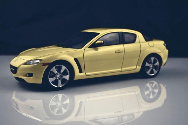 1:18 AUTOart Mazda RX-8 2003 - LIGHTING YELLOW