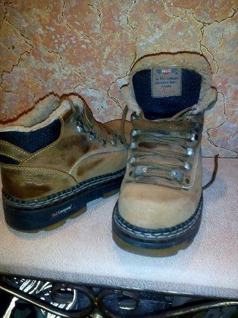 Продаю зимние ботинки на цегейке