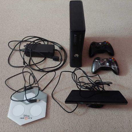Sprzedam Xboxa  360 czarny