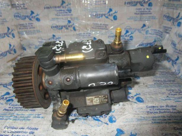 Bomba Injectora H8200704210 167000938R A2C53252602 RENAULT / MEGANE 3 / 2011 / 1.5 DCI / 105 CV / CONTINENTAL /