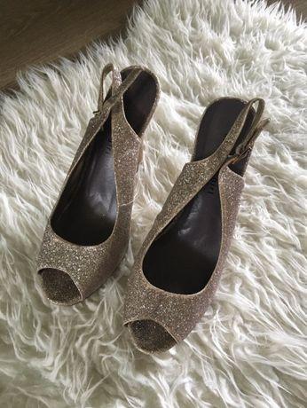 Buty złote szpilki Sylwester