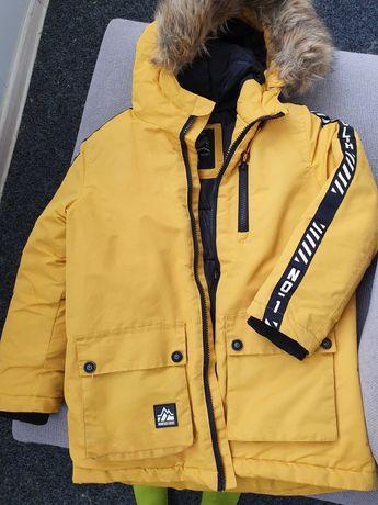 Продам б/у куртку детскую