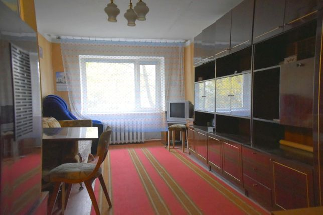 Продам двухкомнатную ,тёплую квартиру рядом с парком ,р-н Пионерская.