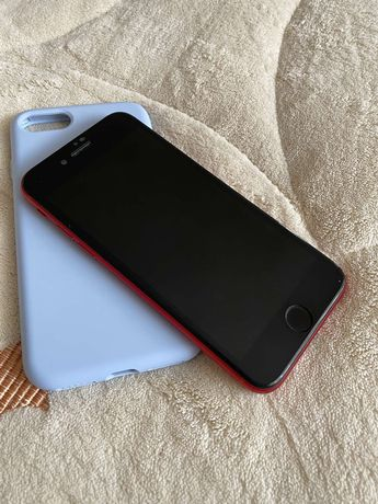 Продам IPhone 8 red product