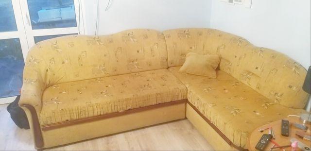 Narożnik z funkcją spania, fotel + stolik