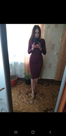 Платье в марсовом цвете