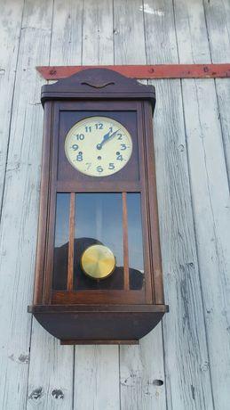 Stary zegar wiszacy kwadransowy