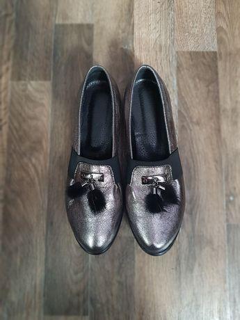 Туфли натуральная кожа серебро 40 размер с мехом