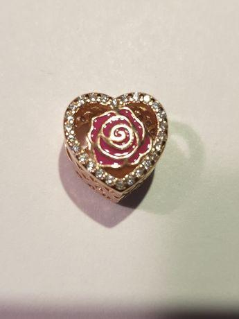 Charms srebro pozłacane różowe