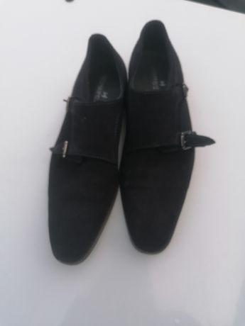 Sapatos de homem de camurça