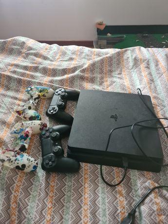 Playstation 4 + 2 comandos