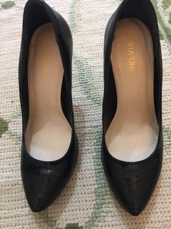 Sapato preto Via Uno