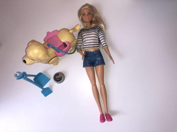 Lalka Barbie spacer z pieskiem czyścioszkiem