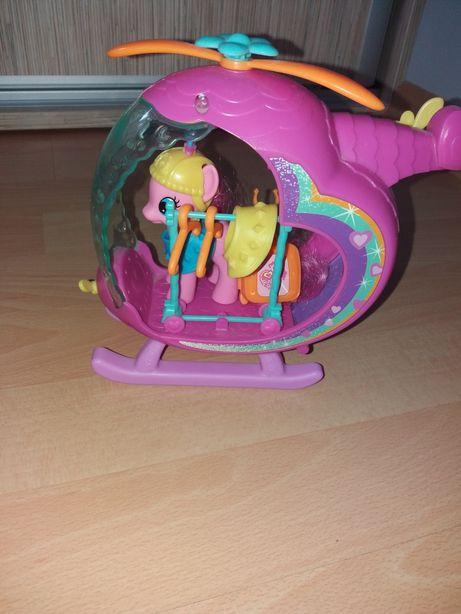 Kucyk ponny wraz z akcesoriami