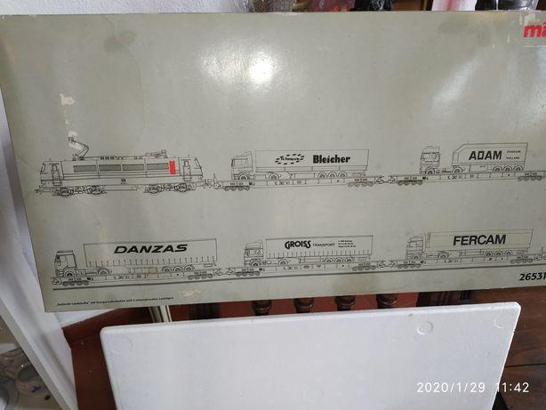 Grande maquete de comboios