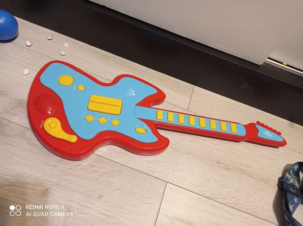 Zabawka dla dziecka gitara