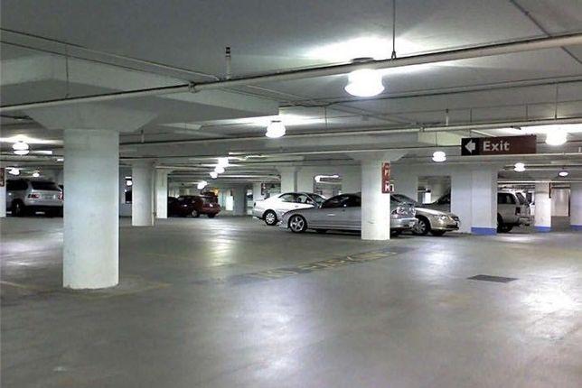 Продам двойное парко место на Панфилова, 30 кв. м.