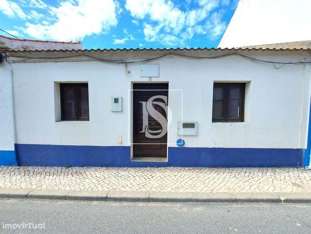 Moradia no centro de Porto Covo