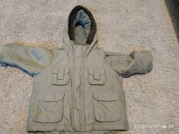 Zielona kurtka na chłodniejsze dni