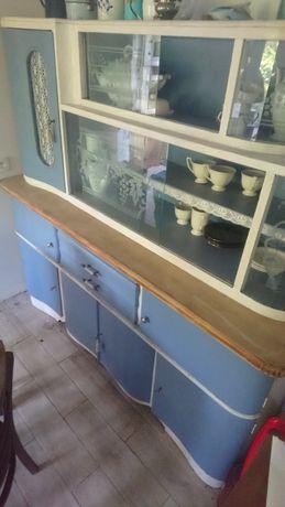 Kredens kuchenny -byfyj wraz z szafkami po renowacji