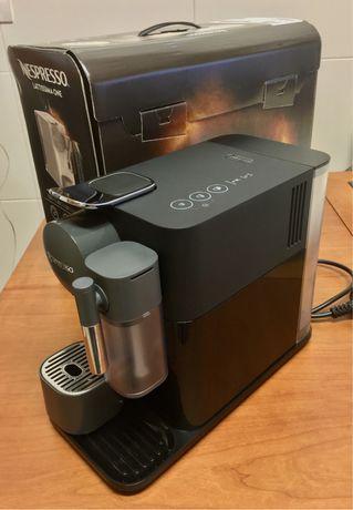 Máquina de café Nespresso Latissima One