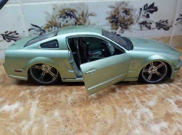 Машина Ford Mustang (Maisto 1:24) металлическая