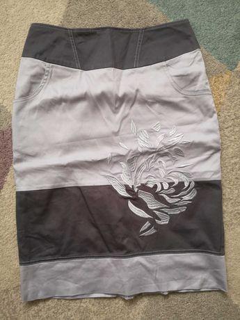 36 S ołówkowa spodnica spodniczka