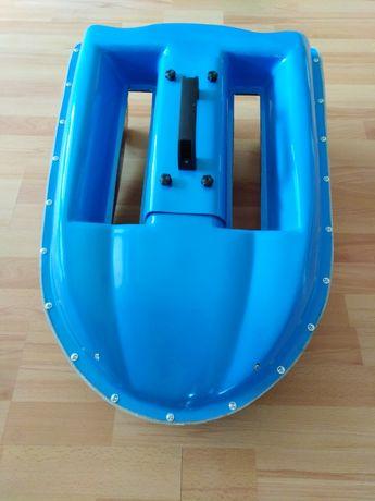 Kadłub do łódki zanętowej