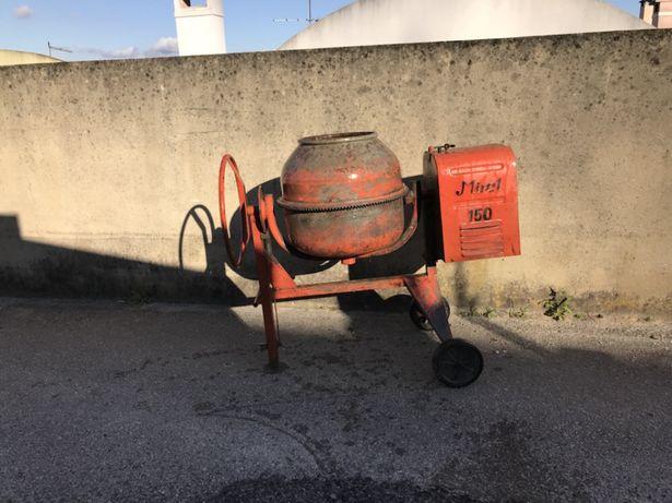 Alugo betoneira 150 lt
