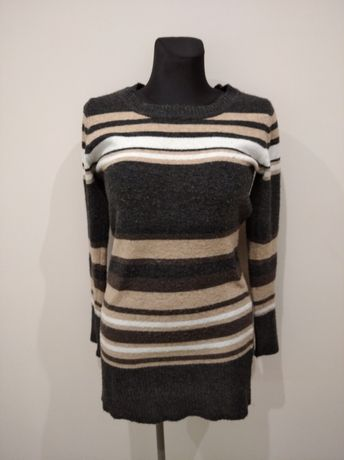 Sweter z szalikiem