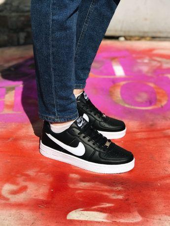 Кроссовки белые с черным Найк Аир Форс Nike Air Force White and Black