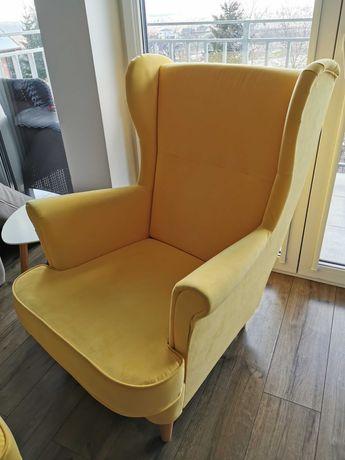 Fotel uszak żółty z podnóżkiem
