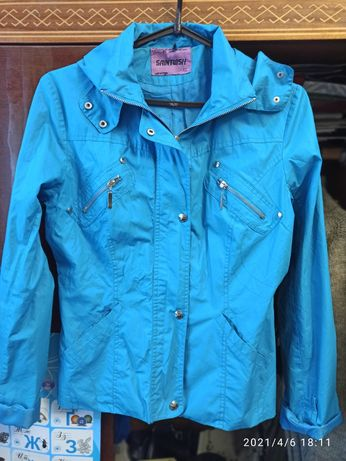 Ярко-голубая ветровка 42-44 размер