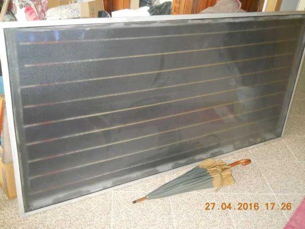 Painel solar usado em bom estado de funcionamento