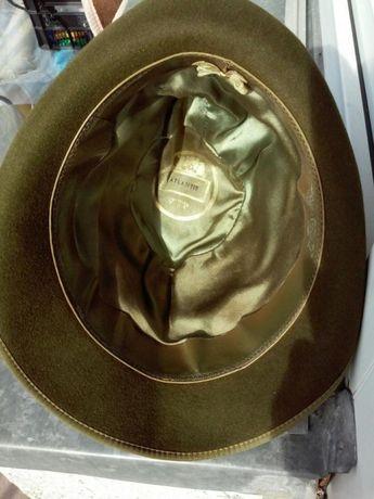 Stary kapelusz myśliwski
