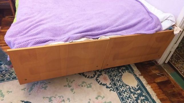 Кровать старая отдам