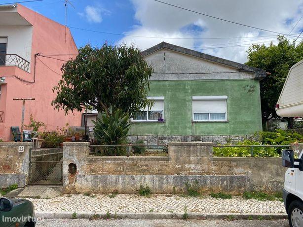 INVESTIMENTO – Moradia na Madorna! T2 + 2 anexos