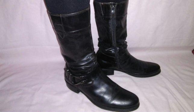 Женские кожаные сапоги Tamaris