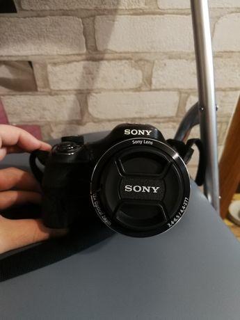 Продам фотоаппарат Sony-dsc h400