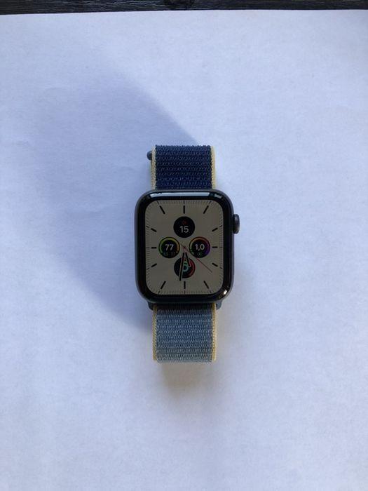 Apple Watch Series 5 44mm + ремешок Киев - изображение 1