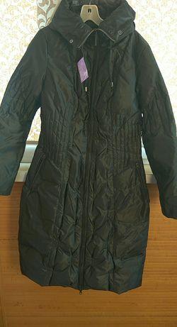 Женское пальто.Краствого графитового цвета .Теплое.