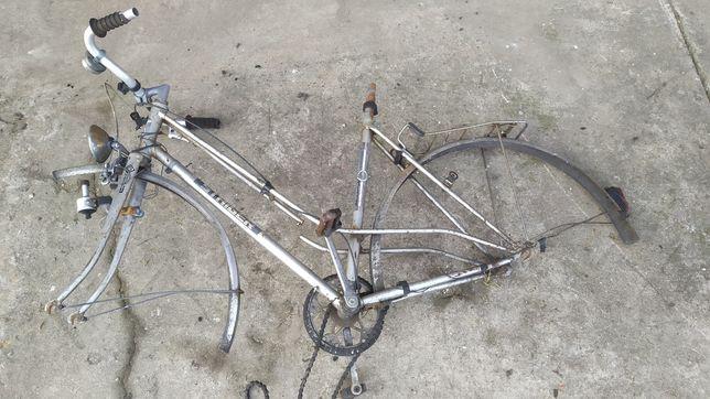 Rower na części.